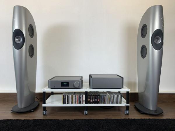 Cambridge-Audio-Edge-NQ-Edge-W-an-KEF-Blade-Two-v2